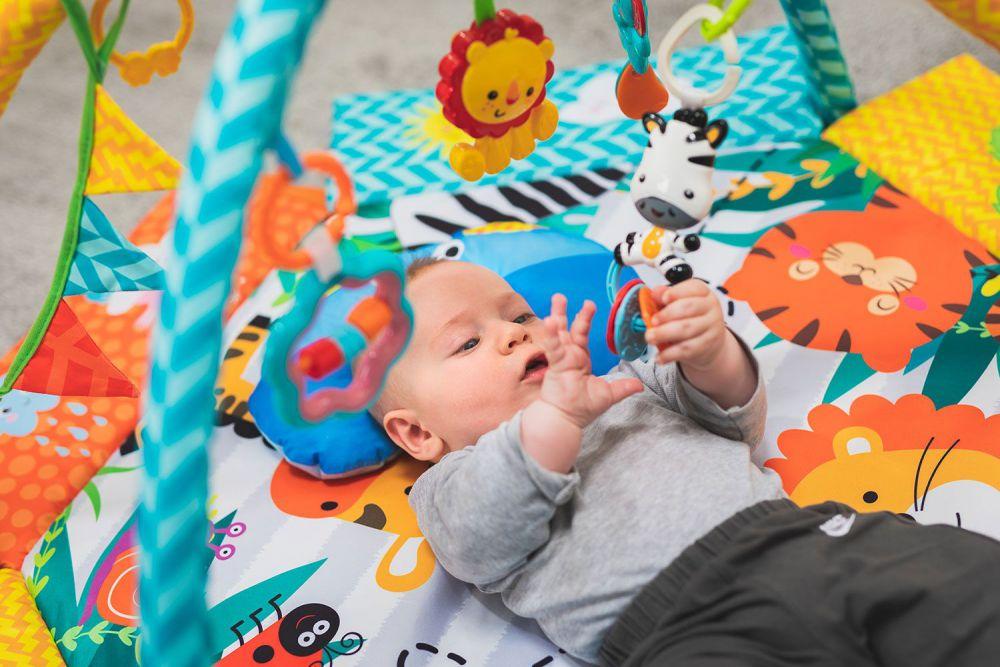 Babygym speelmat en ballenbak 2 in 1 - Gekleurde ballen - Fillikid